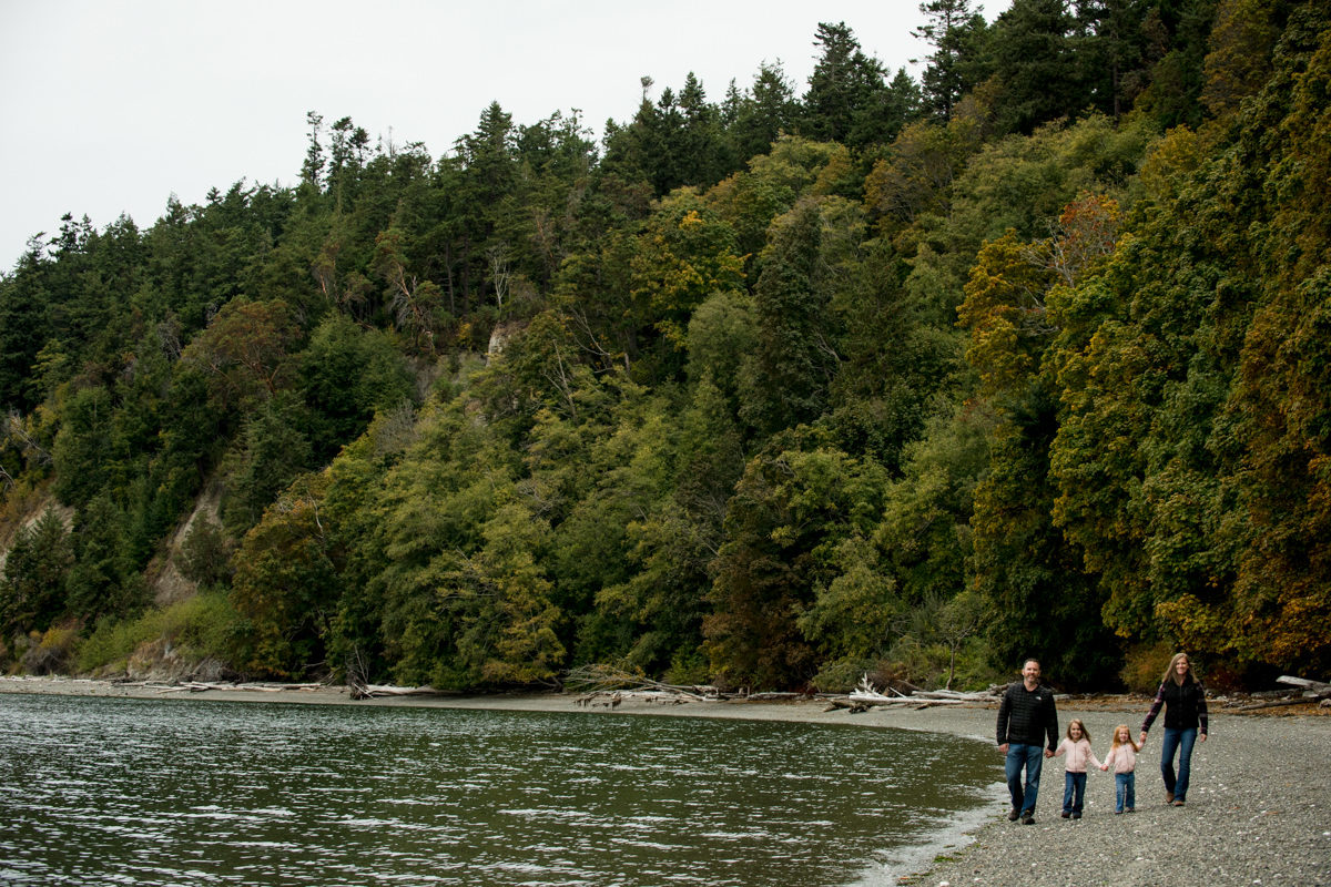 Bellingham Washington Family Portrait Beach Walk