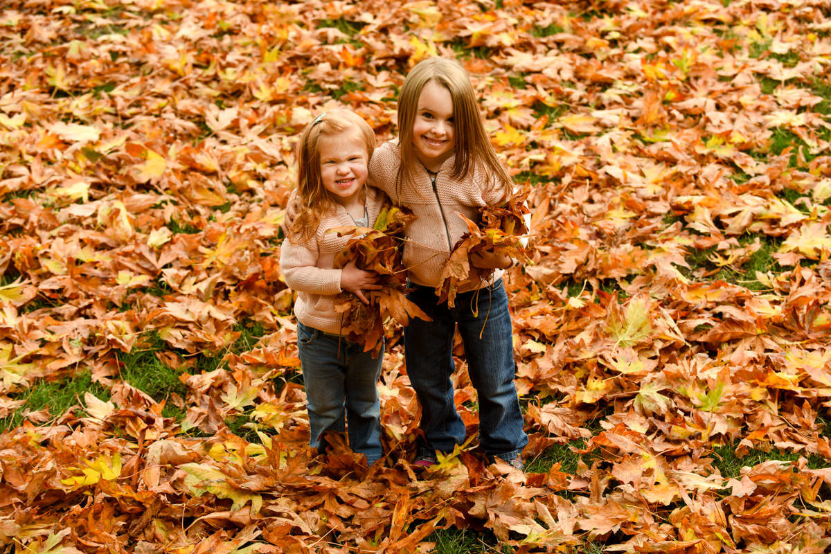 Bellingham Washington Family Portrait Fall Leaves throw