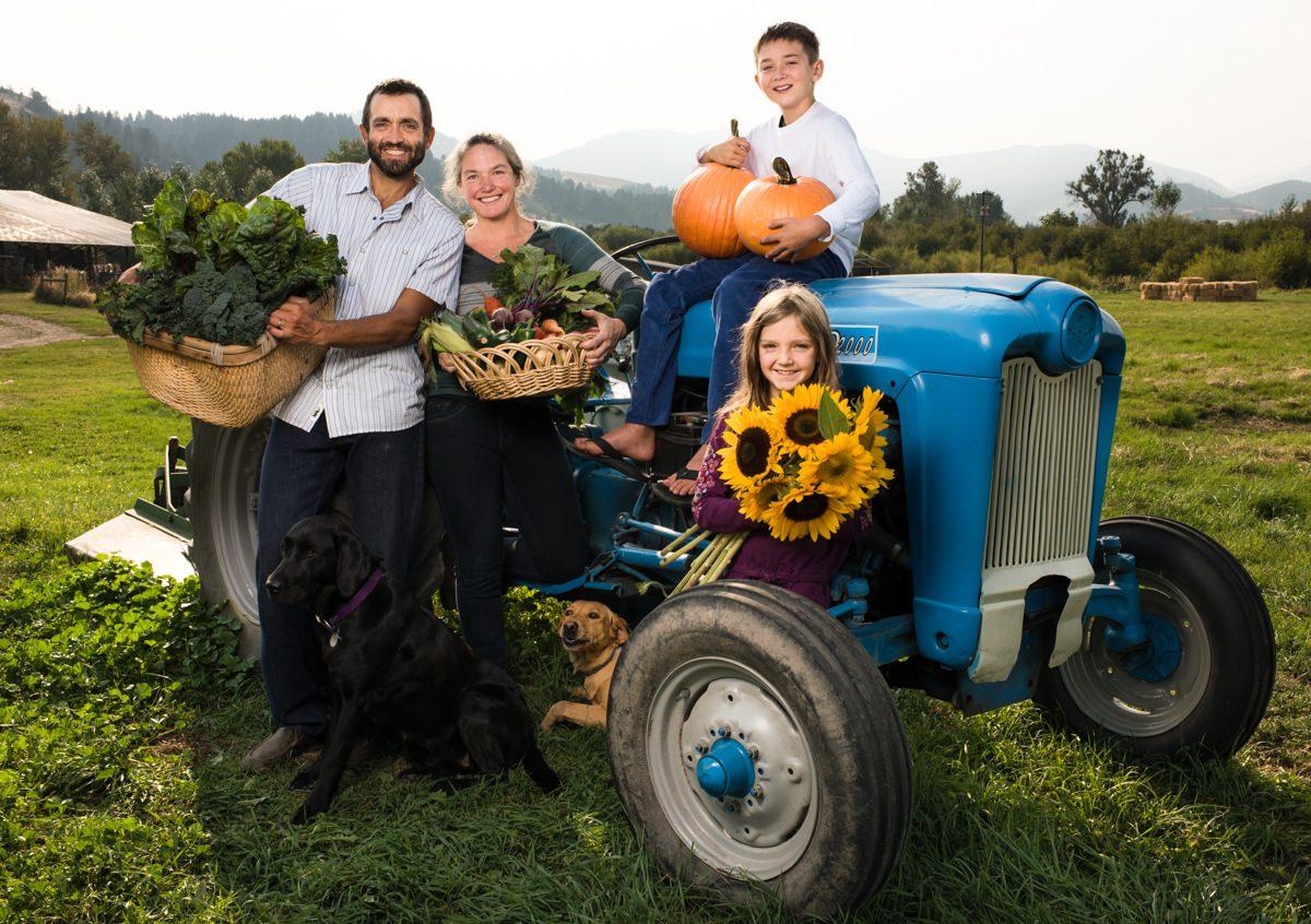 Rocky Creek Farm Family Portrait Tractor