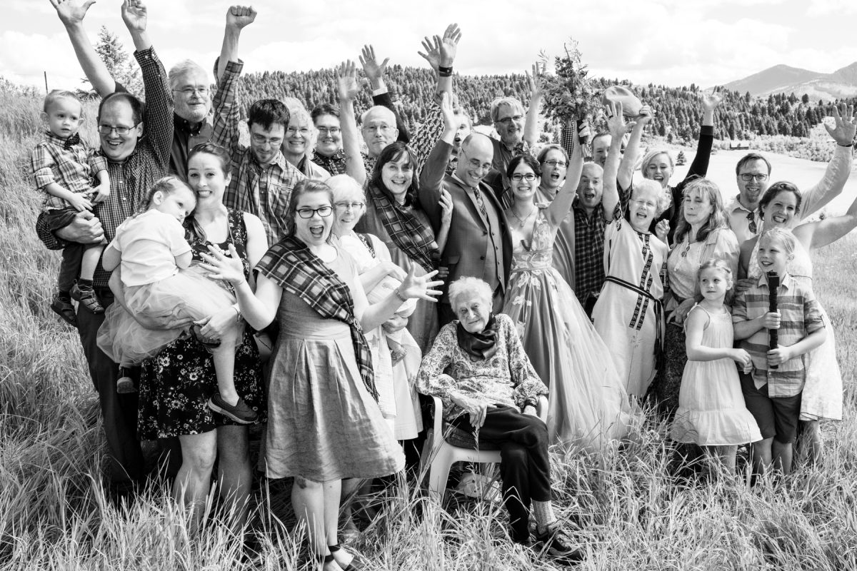Bozeman Wedding Photographer Kelly Canyon Quaker Wedding family portraits