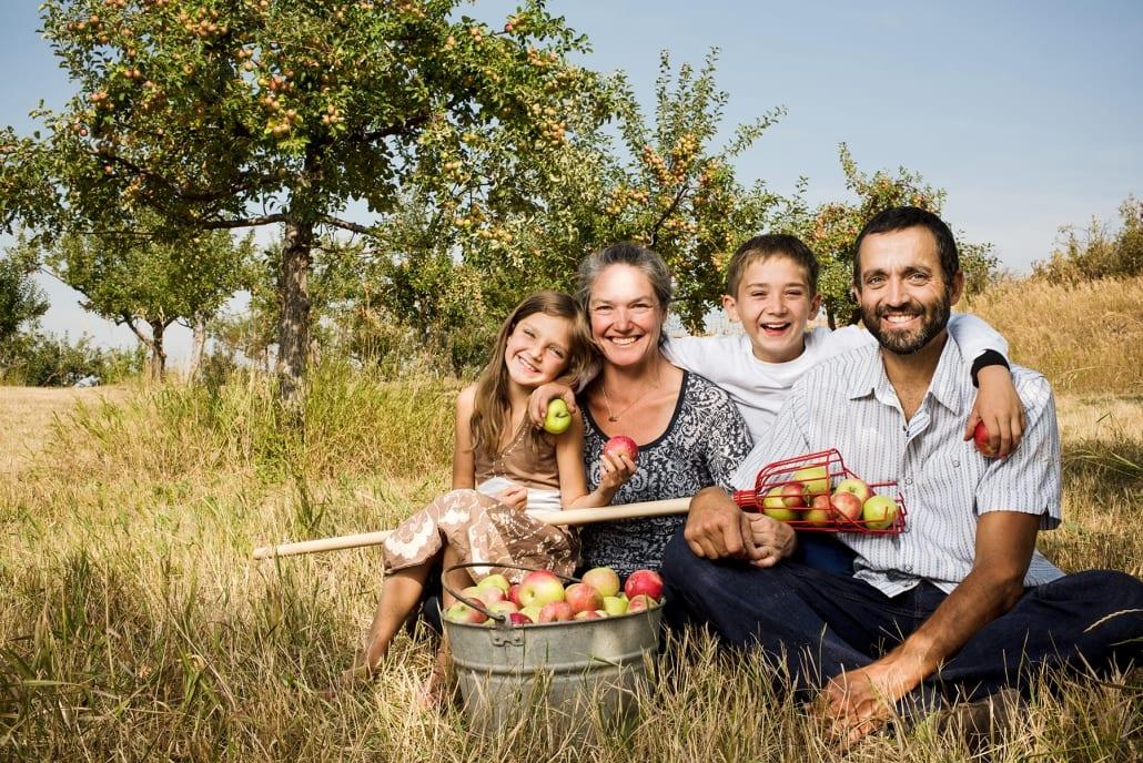 Bozeman Portrait Photography Gallatin Valley Botanical Farm family portrait apple orchard