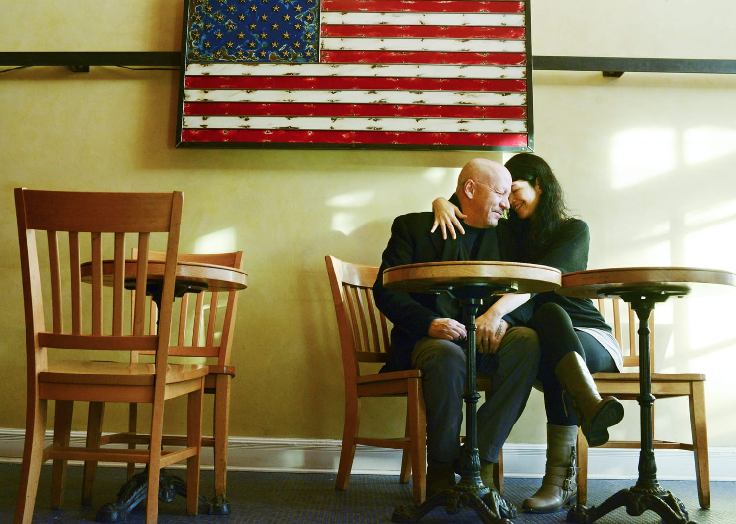 Bozeman-Portrait-Photographer-Couple-American-Flag