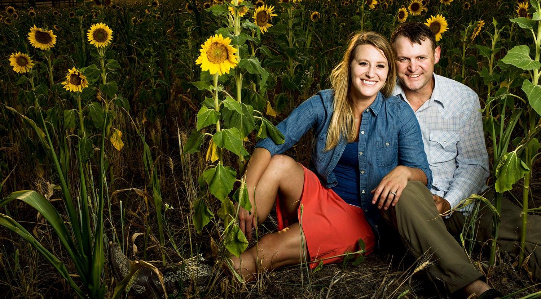 Services-Sunflower-Couple-Portrait-Photography