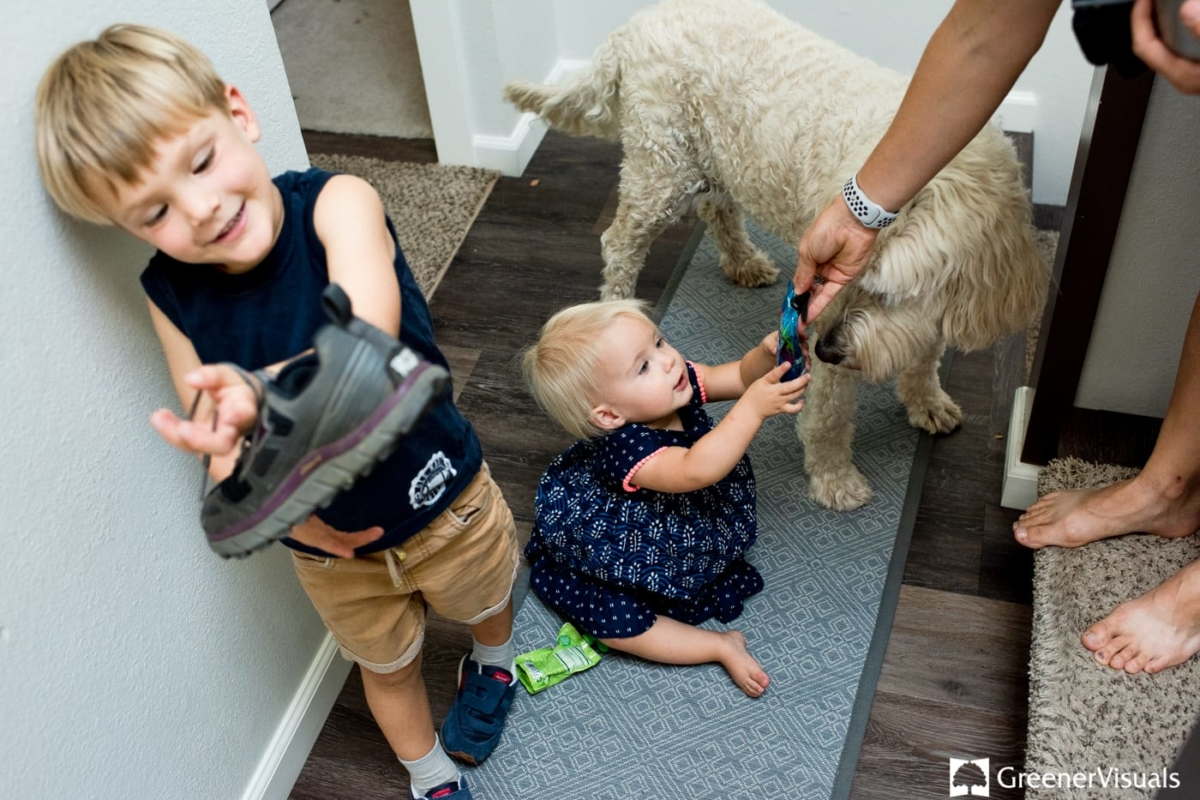 Homelife-kids-dog-Family-Portrait-Photography